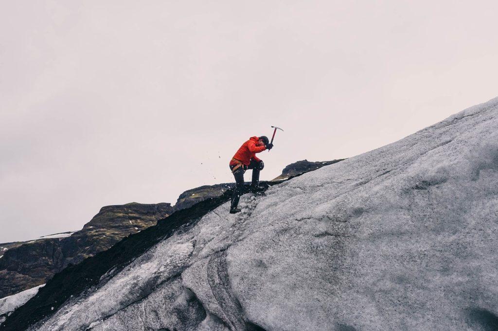 mountain-climbing-802099_1280-1024x682 Blog